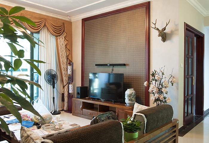 恒大翡翠华庭中式风格客厅装修效果图