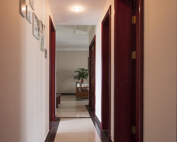 恒大翡翠华庭中式风格走廊装修效果图